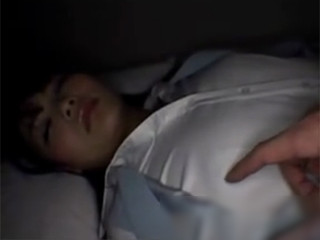 狙っていた新入社員に眠剤を飲ませて家に侵入!!スーツで眠ってる間に犯して撮影する鬼畜・・・